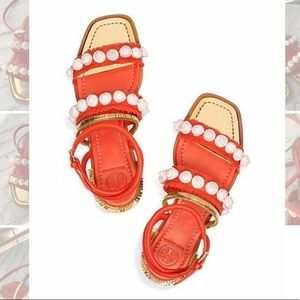 NWOT Tory Burch Sinclair Seashell Sandals
